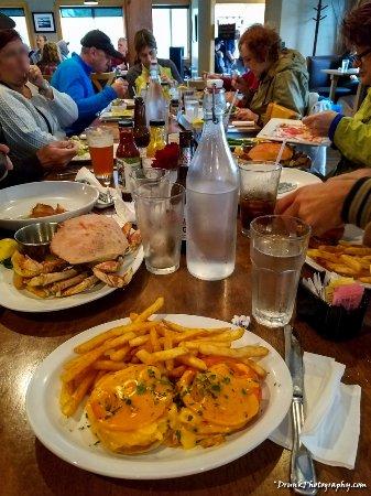 Manzanita, OR: Feast time