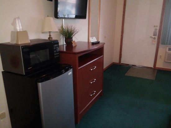 Legacy Inn: Spotless, comfy, quiet, excellent service!