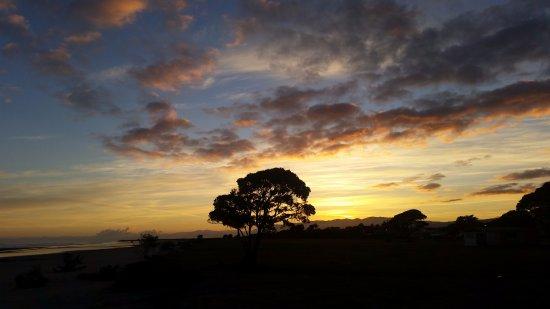 Westport, Yeni Zelanda: Beach area on sunrise