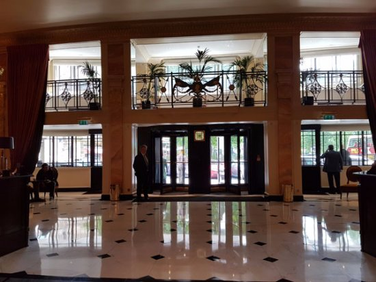 The Dorchester: The lobby