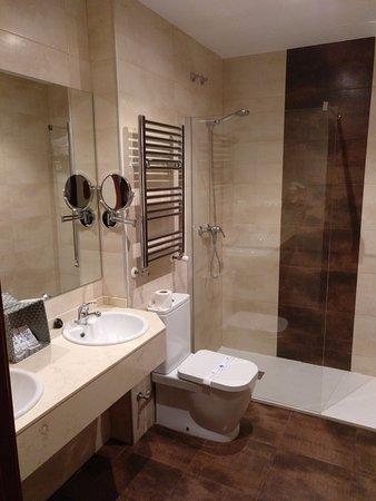 Hotel roma valladolid espa a opiniones comparaci n de Banos completos precio