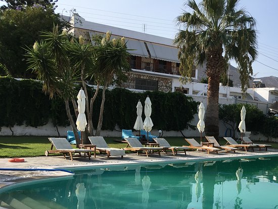 Polos Hotel: View of pool