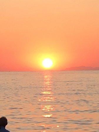 Polos Hotel: Lovely Parikia sunset