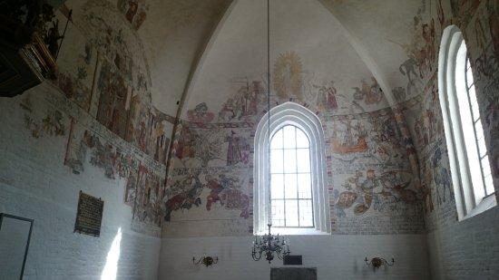 Dronninglund, Danmark: Interiör från kyrkan