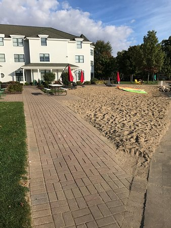 Syracuse, IN: Beautiful location with walking paths, sand beach, fire pits, kayaks and other relaxing things t