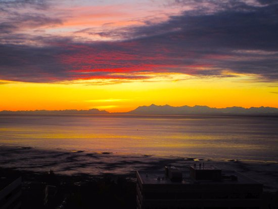 The Hotel Captain Cook: Sunset view over the Bay of Alaska