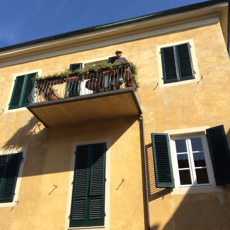 Albergo San Martino: The room with the balcony at the front!