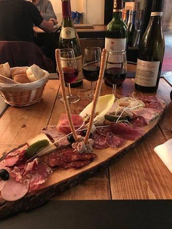 Le bar photo de bar vin le concept charleville - Restaurant la table d arthur charleville ...