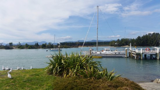 Mapua, New Zealand: other end of the wharf