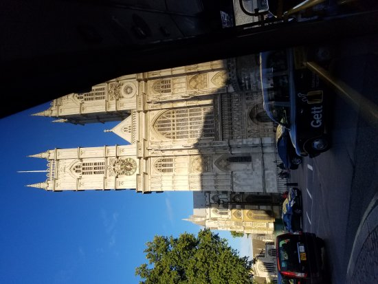 Photo of Westminster Abbey in London, Gr, GB