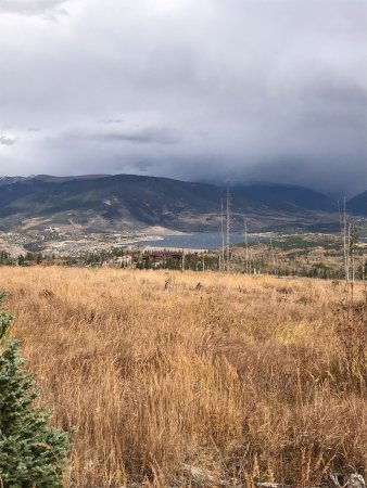 Silverthorne, CO: View of Lake Dillon at the beginning of the hike