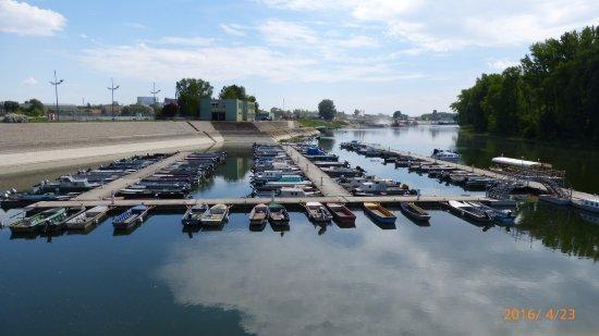 Az apatini jacht kikötő