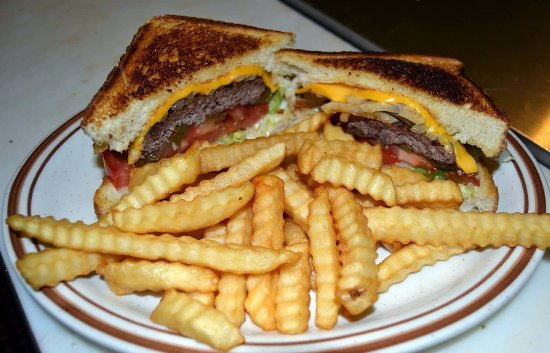 Annville, เคนตั๊กกี้: 1/4lbs burger served on grilled texas toast
