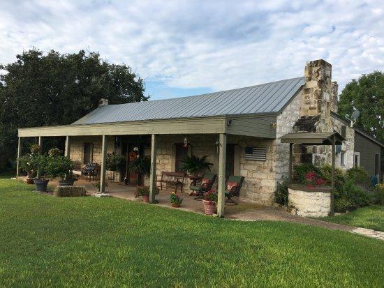 Chuckwagon Inn Bed & Breakfast: Sam & Becky's historic home where breakfast is served.