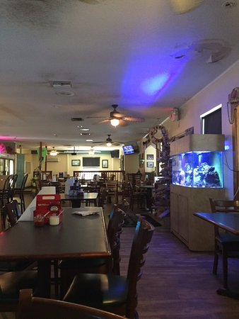 Panacea, FL: Pic of the seating inside of the restaurant.