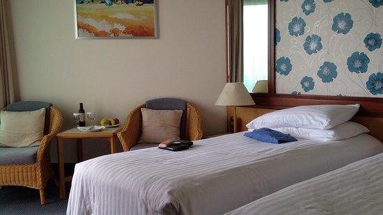 Constantinou Bros Athena Royal Beach Hotel: Room made up as twin