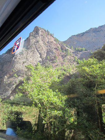 Vouraikos Canyon - Cog Railway : Photo from the window