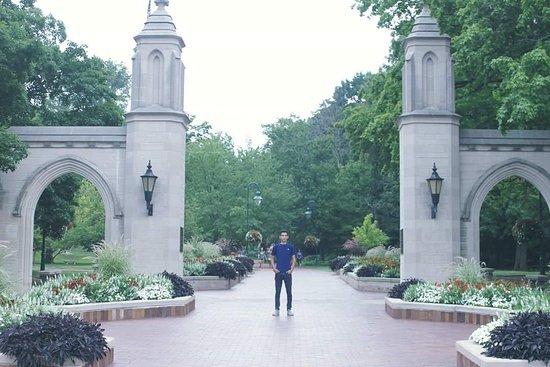 Bloomington, IN: Indiana University