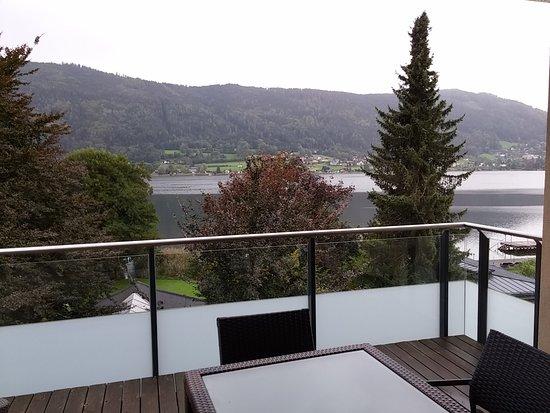 Steindorf, Østerrike: Balkon mit Seeblick