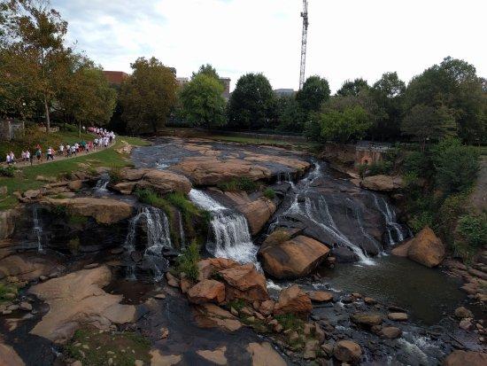 Zdjęcie Falls Park on the Reedy