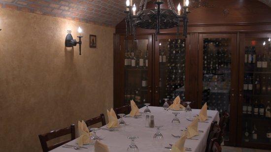 Buena, Νιού Τζέρσεϊ: Wine Room