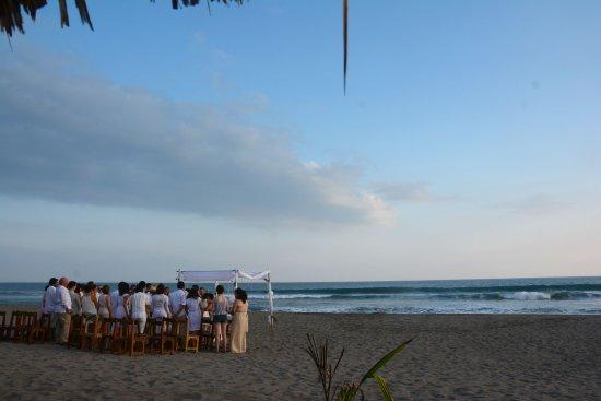 Tonala, Meksika: Evento social a pie de playa