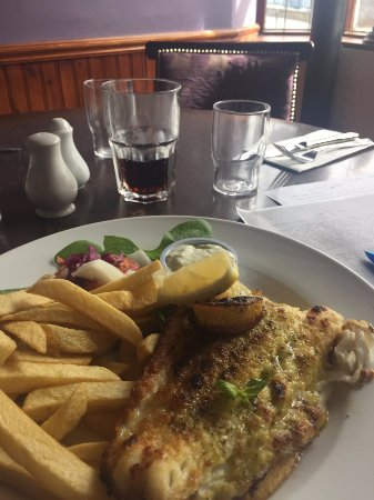 Charlestown, İrlanda: Wow! The fish and chips for lunch!