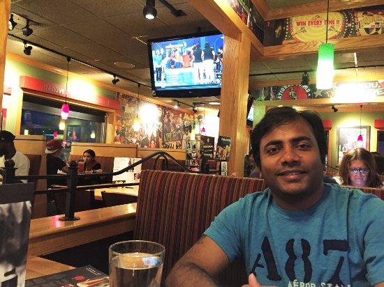 อีสต์ฮันโนเวอร์, นิวเจอร์ซีย์: Applebee's-East Hanover_Sanju-3