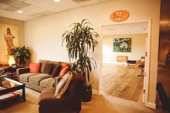 Encinitas, CA: Relax in the lounge