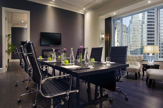 The Adelaide Hotel, Toronto: Bank Street