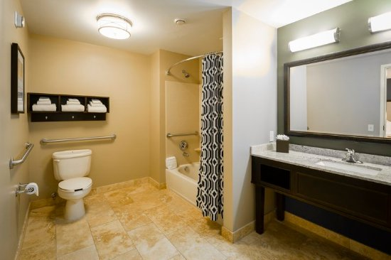 Lewis Center, OH: King Accessible Bathroom