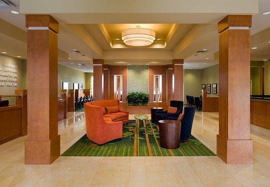 Fairfield Inn & Suites by Marriott Winnipeg: Lobby