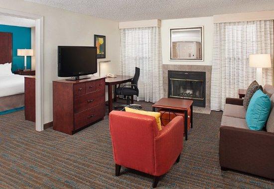 Bothell, WA: One-Bedroom Queen Suite