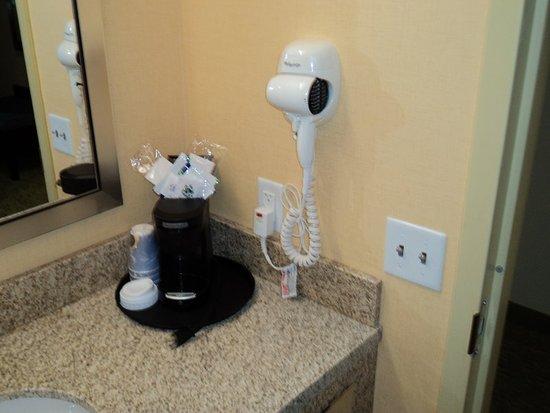 Dickson City, PA: Bathroom Amenities
