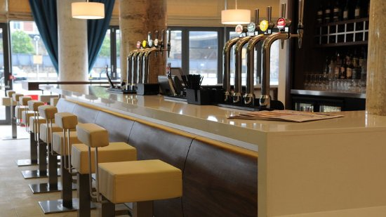 Holiday Inn Express Sheffield City Centre: Dinner served from 6pm-10pm everyday