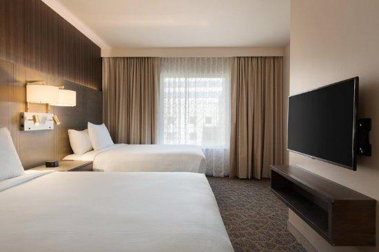 The Woodlands, TX: 2 Queen 2 Room Suite