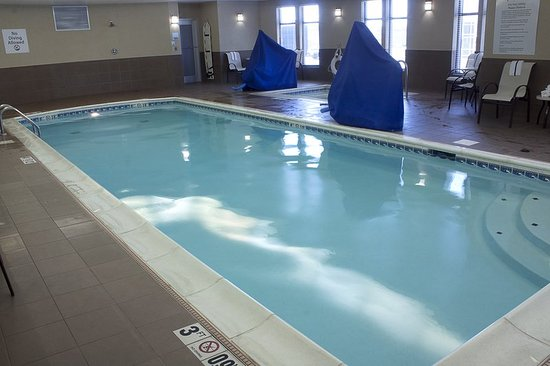 Holiday Inn Express Hotel Suites Youngstown W I 80 Niles Area Youngstown Oh Otel