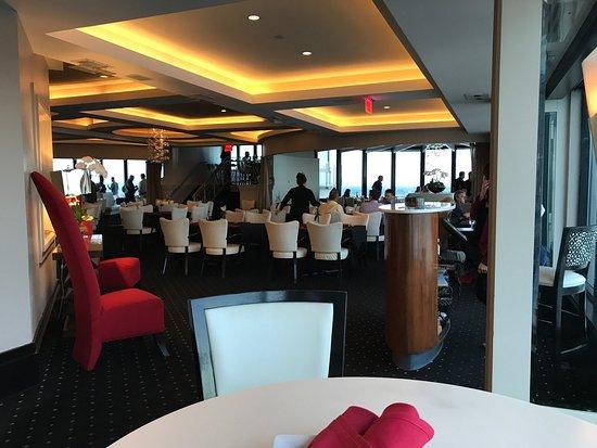 Rivue restaurant lounge louisville menu prices for Fish restaurants louisville ky