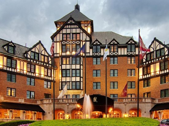 The Hotel Roanoke & Conference Center, Curio Collection by Hilton: Exterior Day
