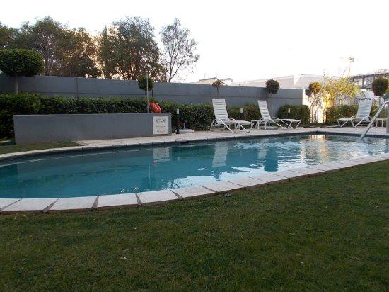 Swimming Pool Picture Of Holiday Inn Johannesburg Rosebank Johannesburg Tripadvisor