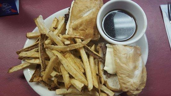 Soldotna, AK: Burger Dip with fries