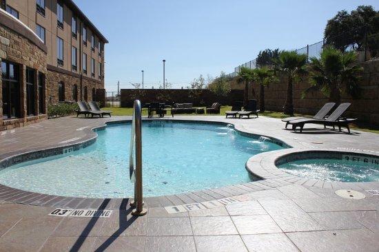 Holiday inn express lakeway bewertungen fotos for Swimming pool preisvergleich