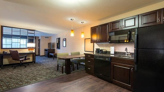 Butte, MT: Our extended stay suite is equipped with a kitchen and dishwasher.