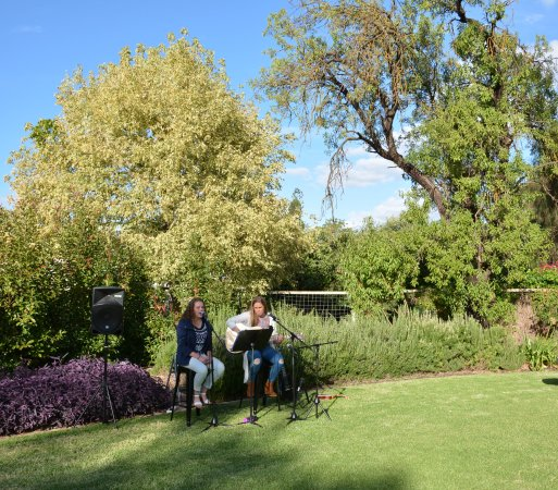 Greenock, Australia: Kalleske 'Wines by the Grass' Event in Cellar Door Garden
