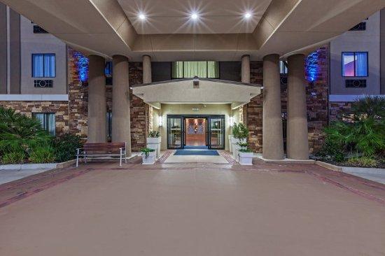 คลีฟแลนด์, เท็กซัส: Inviting hotel entrance