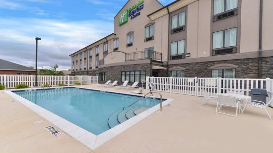 Holiday Inn Express Hotel & Suites Fort Walton Beach Northwest : Outdoor Swimming Pool