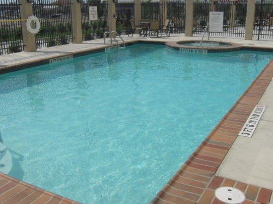 Del Rio, TX: Outdoor Pool