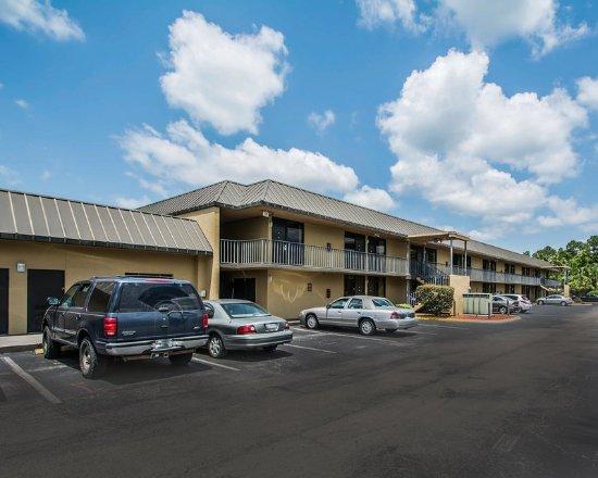 Elkton, FL: Exterior