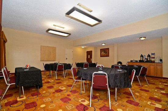 Holiday Inn Express Burlington: Meeting Room