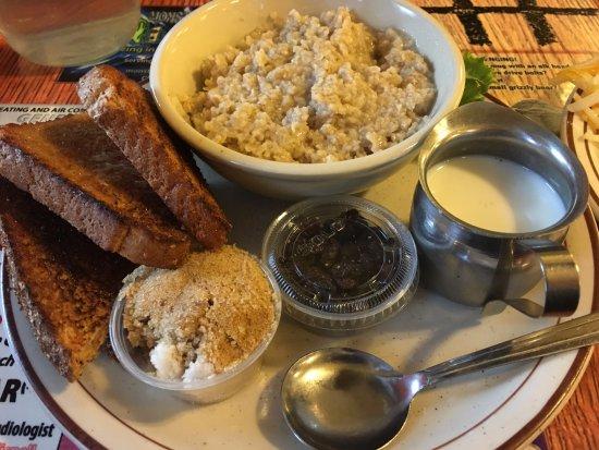 Cislo's Restaurant: Oatmeal